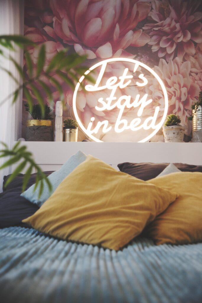 Let's stay in bed - to nasza propozycja Ledonu zaprojektowanego do sypialni