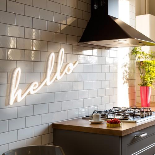 Dekoracje neonowe do kuchni Hello